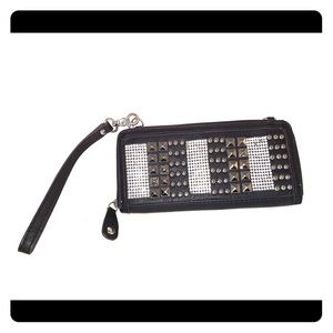 Black zip wallet with silver details